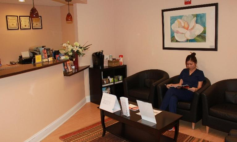 Our waiting room | Tysons Corner Dentist